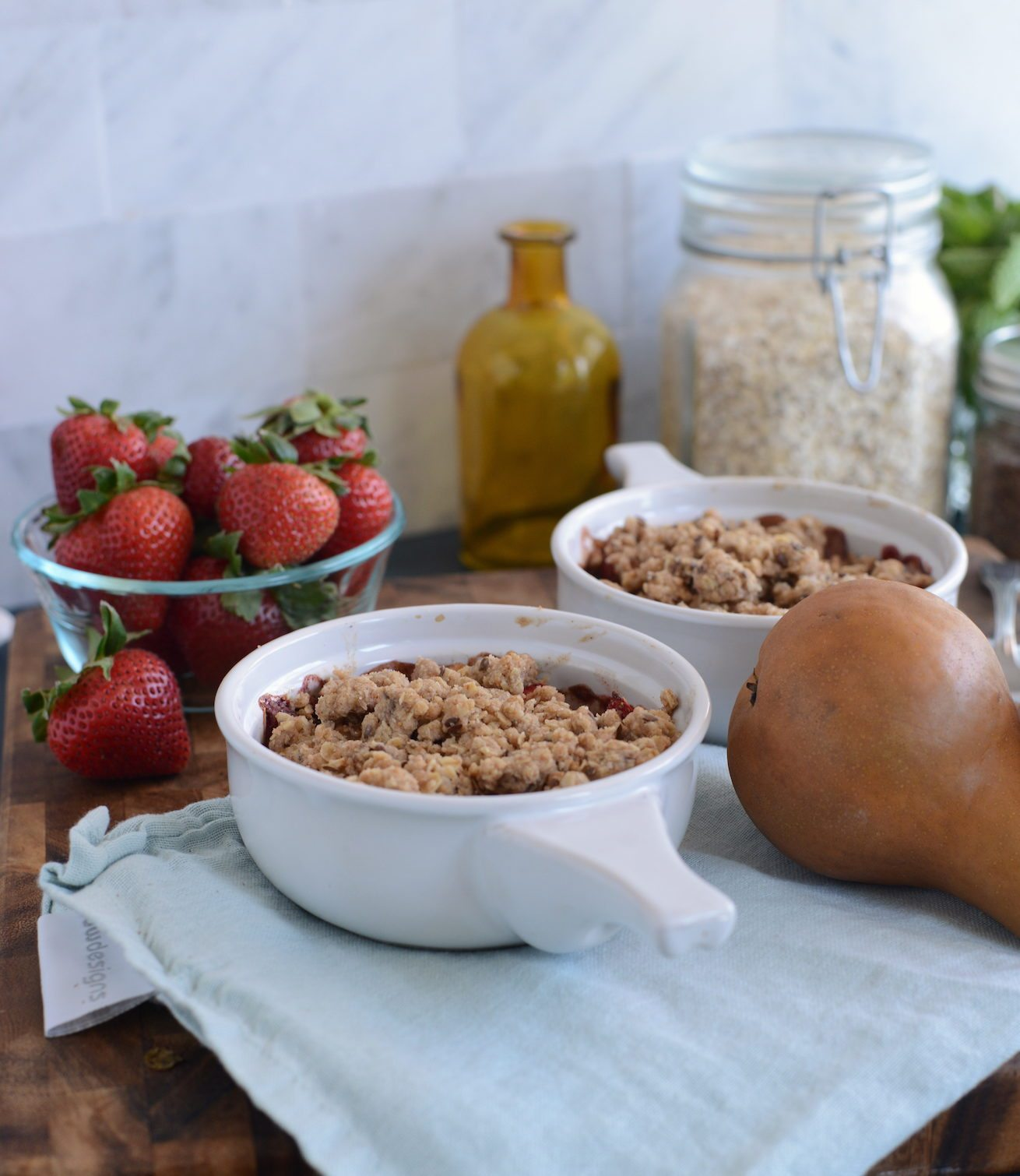 Pear Strawberry GraGrahamCrumble