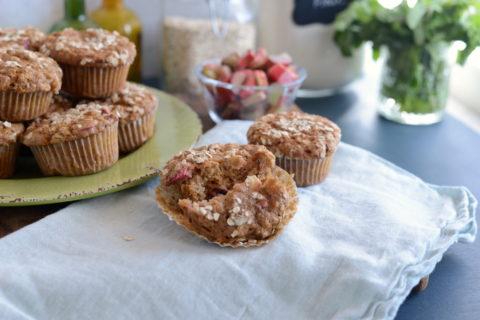Rhubarb Oat Muffins